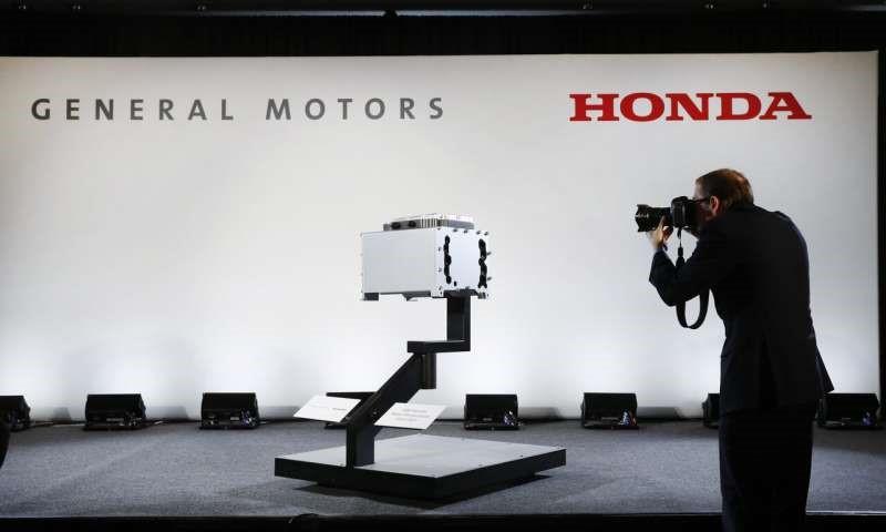 Honda, General Motors sign deal to work on vehicles together